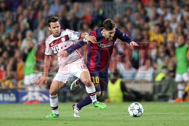 صور : مباراة برشلونة - بايرن ميونيخ  3-0 ( 06-05-2015 )  1430949383882