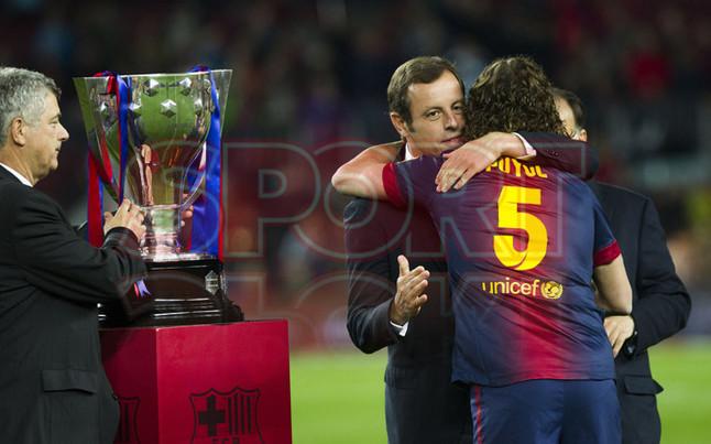 صور احتفالات برشلونة بلقب الليغا الاسبانية في ملعب الكامب نو  19-05-2013 1369005807403