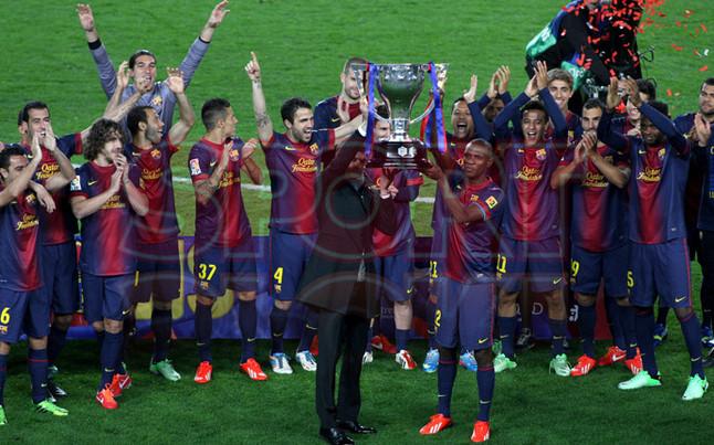 صور احتفالات برشلونة بلقب الليغا الاسبانية في ملعب الكامب نو  19-05-2013 1369005869523
