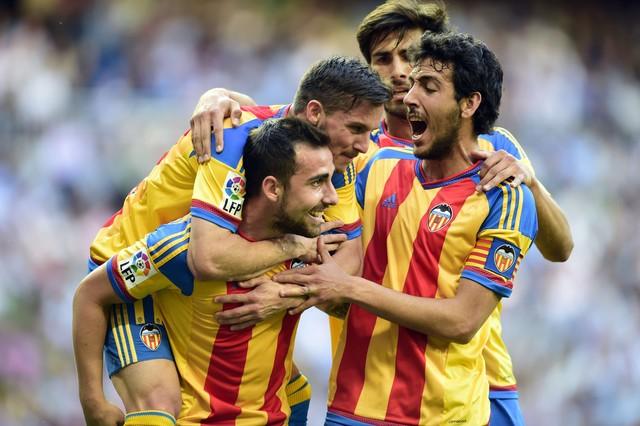 صور : مباراة فالنسيا - ريال مدريد 2-2 ( 09-05-2015 )  1431202947433