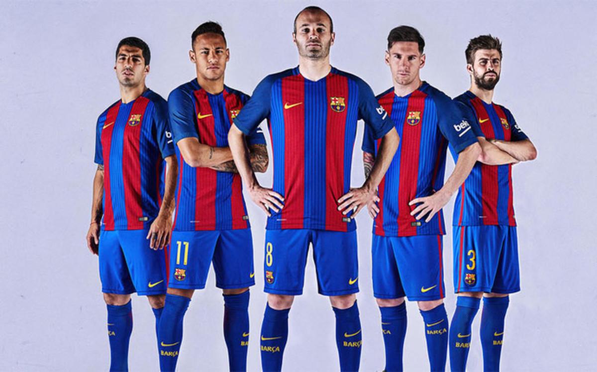 Equipación 2016-17 Los-jugadores-del-barca-saben-que-camiseta-vestiran-proxima-temporada-1464592612043