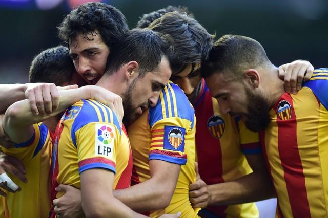 صور : مباراة فالنسيا - ريال مدريد 2-2 ( 09-05-2015 )  1431202944593