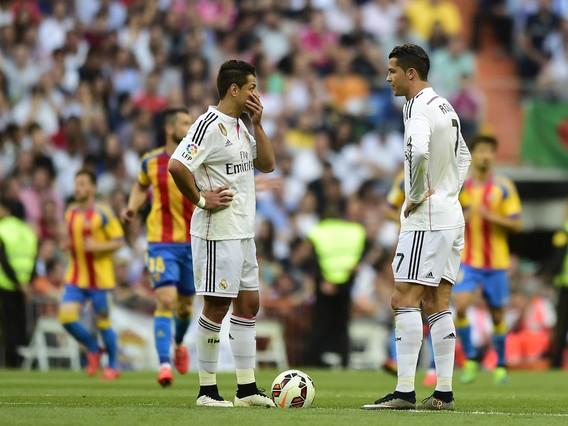 صور : مباراة فالنسيا - ريال مدريد 2-2 ( 09-05-2015 )  1431202948014