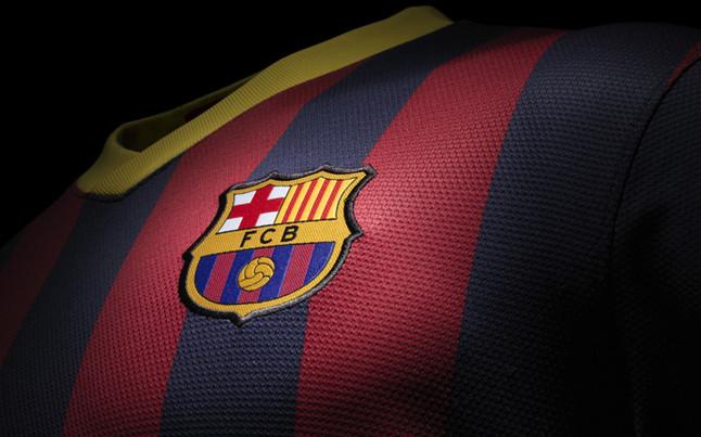 بالصور طقم قميص برشلونة  لموسم 2013-2014 1369123565044