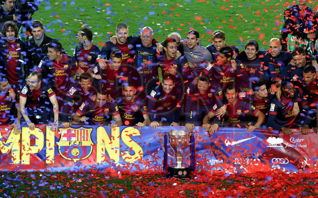 صور احتفالات برشلونة بلقب الليغا الاسبانية في ملعب الكامب نو  19-05-2013 1369005692505