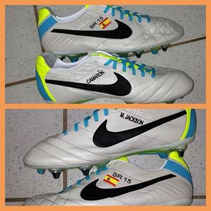 Il calciatore Sergio Ramos indosserà un paio di scarpe con omaggio a MJ  1371201672965