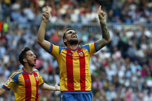 صور : مباراة فالنسيا - ريال مدريد 2-2 ( 09-05-2015 )  1431202944685