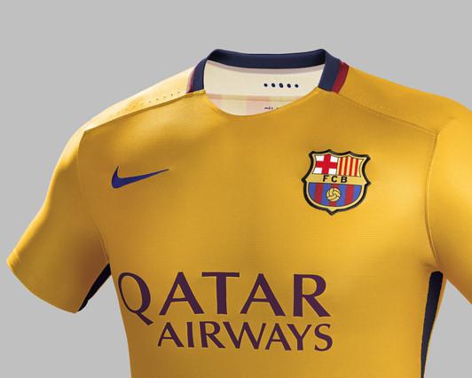 رسمياً : برشلونة يكشف عن قميصه الجديد لموسم 2015-2016 1432456688706