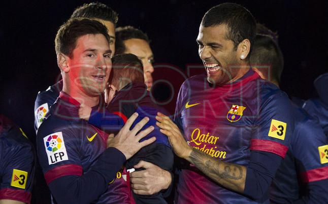 صور احتفالات برشلونة بلقب الليغا الاسبانية في ملعب الكامب نو  19-05-2013 1369005625716