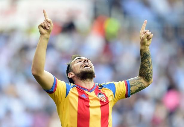 صور : مباراة فالنسيا - ريال مدريد 2-2 ( 09-05-2015 )  1431202947726