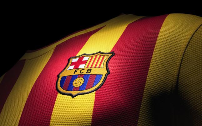 بالصور طقم قميص برشلونة  لموسم 2013-2014 1369123688986