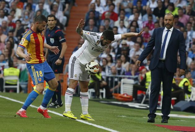 صور : مباراة فالنسيا - ريال مدريد 2-2 ( 09-05-2015 )  1431202947296