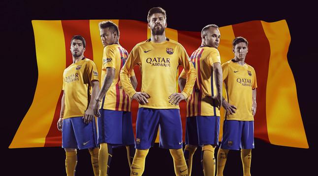 رسمياً : برشلونة يكشف عن قميصه الجديد لموسم 2015-2016 1432456628447