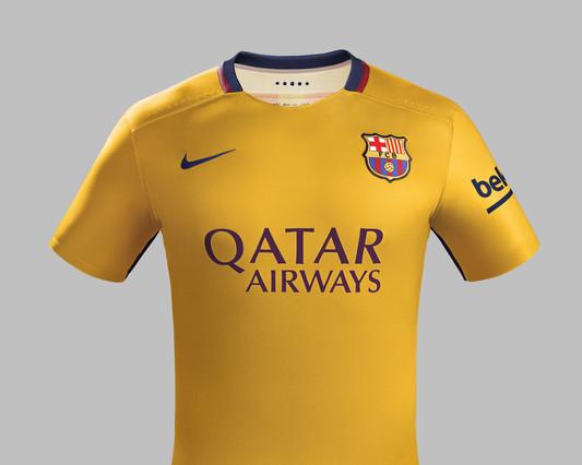 رسمياً : برشلونة يكشف عن قميصه الجديد لموسم 2015-2016 1432456688677