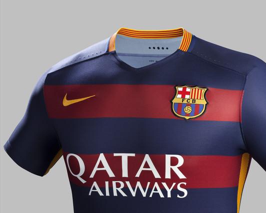 رسمياً : برشلونة يكشف عن قميصه الجديد لموسم 2015-2016 1432456688758