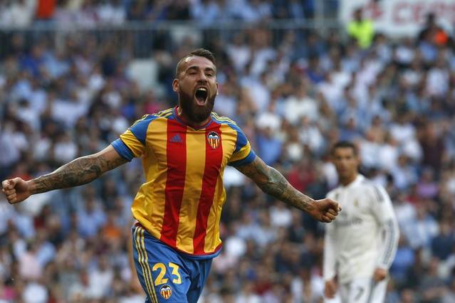 صور : مباراة فالنسيا - ريال مدريد 2-2 ( 09-05-2015 )  1431202948068