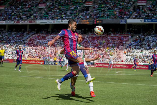 صور : مباراة قرطبة - برشلونة  0-8 ( 02-05-2015 )  1430583417688