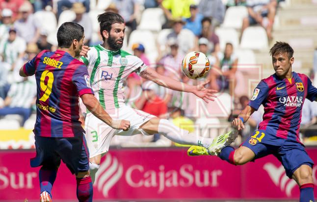 صور : مباراة قرطبة - برشلونة  0-8 ( 02-05-2015 )  1430583415539