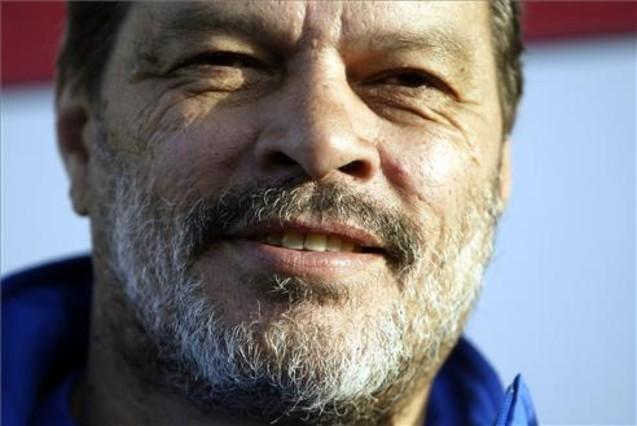 Fallece el ex jugador brasileño, Sócrates 1315293136559