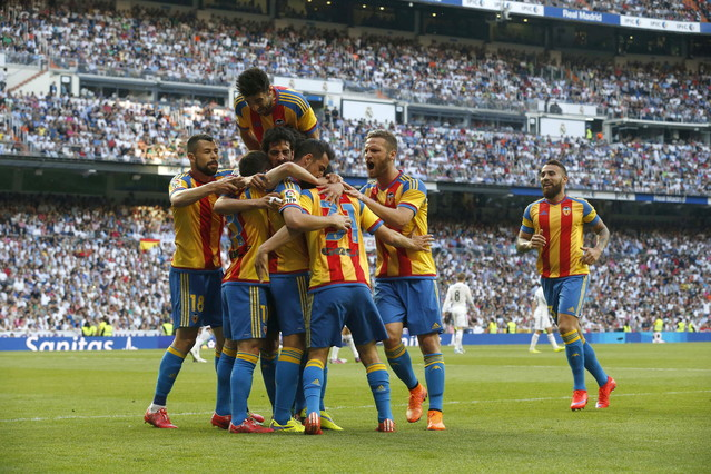 صور : مباراة فالنسيا - ريال مدريد 2-2 ( 09-05-2015 )  1431202944689