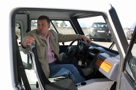 Sin ruido, sin impuestos, sin emisiones... El primer vehículo eléctrico español 1329646563_extras_ladillos_2_0