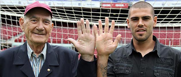 ¿Cuánto mide Víctor Valdés? - Altura - Real height 1306151093_extras_ladillos_1_0
