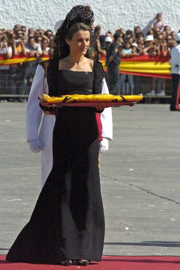 La mantilla española - Página 2 1211385218_extras_albumes_0