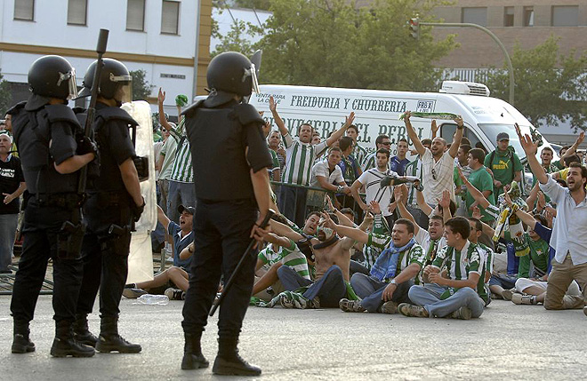 Mouvement en Espagne - Page 26 1243801573_extras_albumes_0