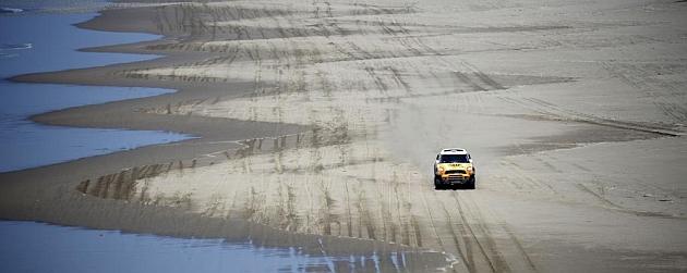 Rally Dakar 2013 (coches) 1357759022_extras_noticia_foton_7_1
