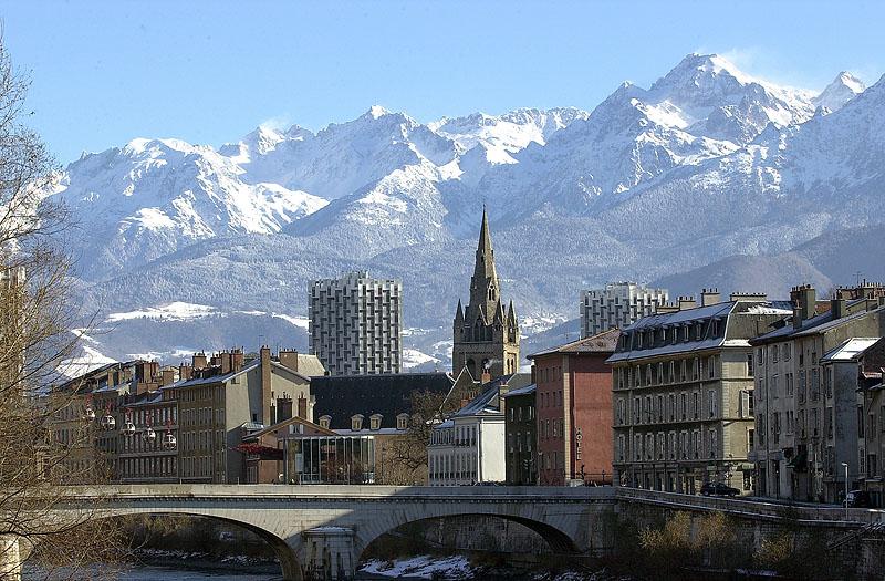 Humeur du jour... en image - Page 7 Grenoble