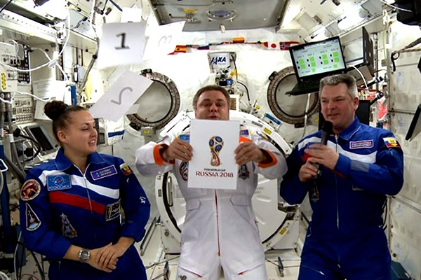 Copa Mundo FIFA - Rusia 2018. [Jugaremos en segunda fase con ganador de Turcas y Caicos - San Cristóbal y Nieves] Rusia-logro-una-presentacion-espacial