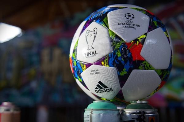 Presentaron Balón de la Final de la Champions Baln