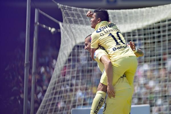 América prendió las alarmas en CU Los-americanistas-festejaron-en-grande-su-gol-0