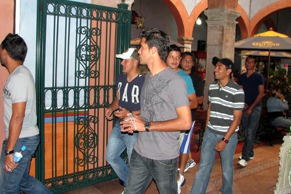 Informacion - Juego contra Mexico el 10 de octubre. Salvadorenos-en-queretaro-2