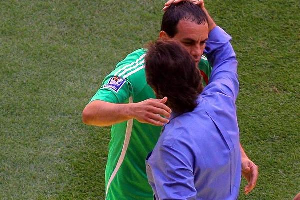 Rumbo a la Copa Mundo 2010: El Salvador 1 Mexico 4. Carlos-de-los-cobos-1