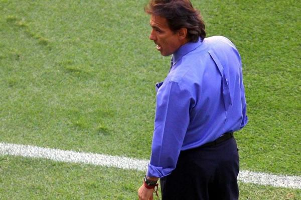 Rumbo a la Copa Mundo 2010: El Salvador 1 Mexico 4. Carlos-de-los-cobos