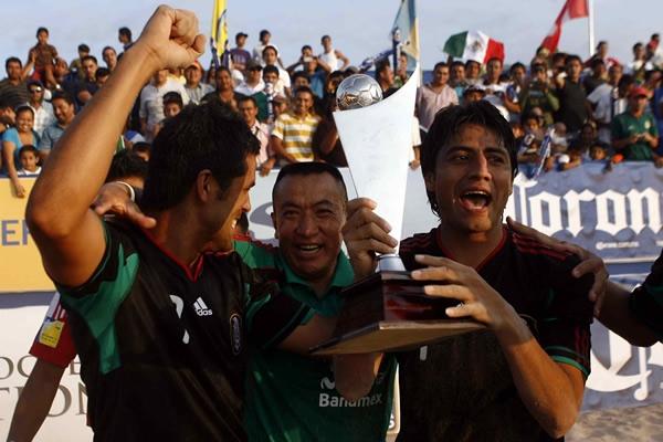 Campeonato CONCACAF - Puerto Vallarta 2010 - Italia 2011: El Salvador 3 Mexico 5. El-tricolor-logro-una-verdadera-proeza-azteca_2