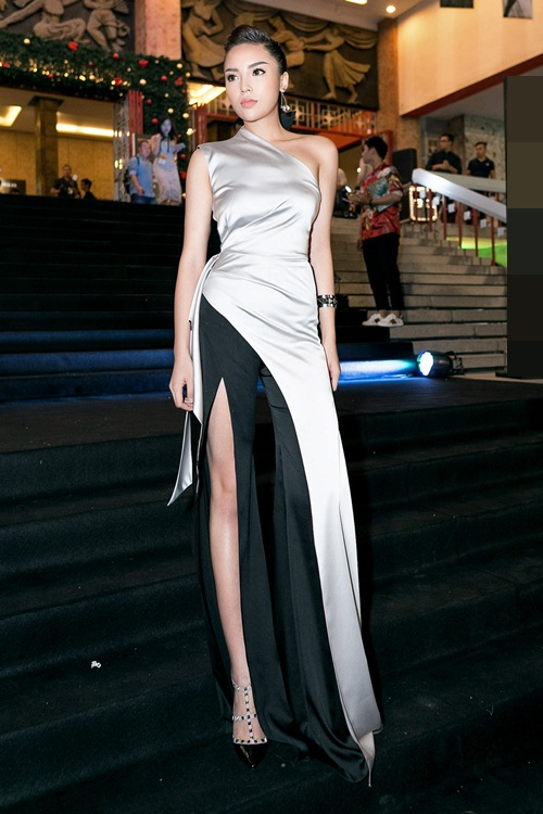 Hoa hậu Kỳ Duyên gợi cảm cuốn hút xuất hiện sau loạt ồn ào Hoa-hau-ky-duyen-goi-cam-cuon-hut-xuat-hien-sau-loat-on-ao-3-1484241051-width500height750