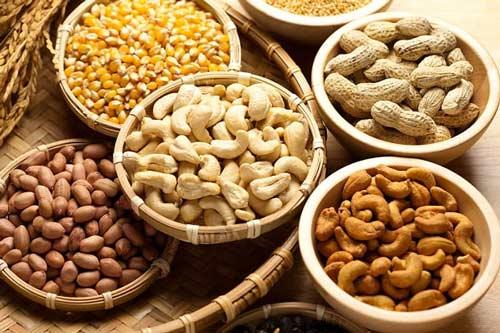 10 thực phẩm tăng chiều cao cực tốt cho trẻ 1403501546-an_cac_loai_hat_giup_song_lau_hon_0