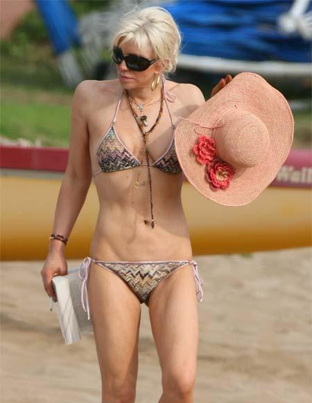 COURTNEY LOVE - Página 2 Courtney-love-bikini