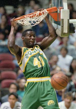 Toronto Raptors Kemp-dunking