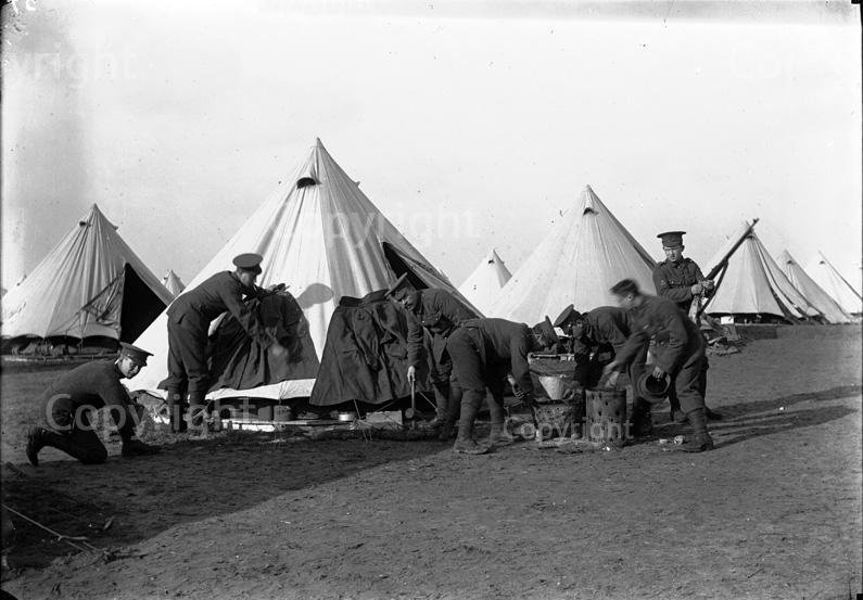 BULLRING / ETAPLES 1917 2_Caron