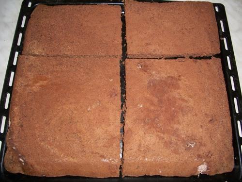 Торт с шоколадом и взбитыми сливками 6b3474458b97d5451454c941a8bf2ff82eb4e6203538139