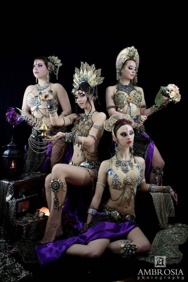 Что же такое шоу танца живота? 0e8109132de10cf259eafe51d3da8ef571477e226331931