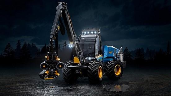 Ljungby caricatori industriali Traktorcity_49f09cc8-b1ef-44b8-99a8-b63ca167584f_H8_bildspel5-920x517%20H8D