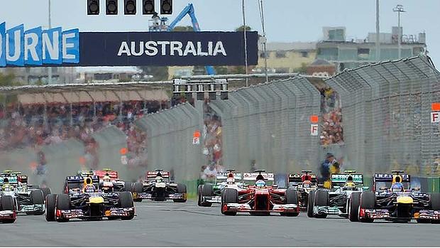 F1 13  Mikelodelong campeón Temporada IX 2013-Australian-GP-start