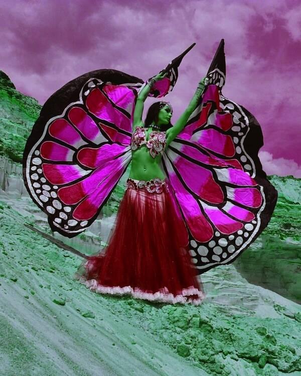 Крылья  для танца живота. 42d95992eaa0a668aafa1f510a80a7a3056455257025747