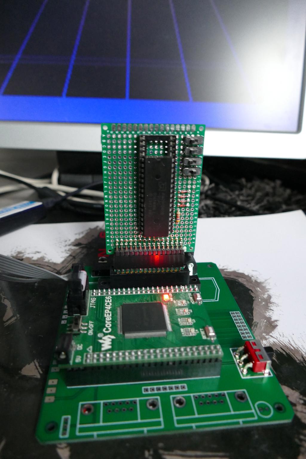 Cartouche reprogrammable d'Atari 2600 pour les bytos P1000099