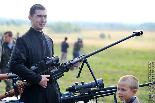 El Papa clama contra la violencia en nombre de Dios en la Sinagoga de Roma Varicano-armas2