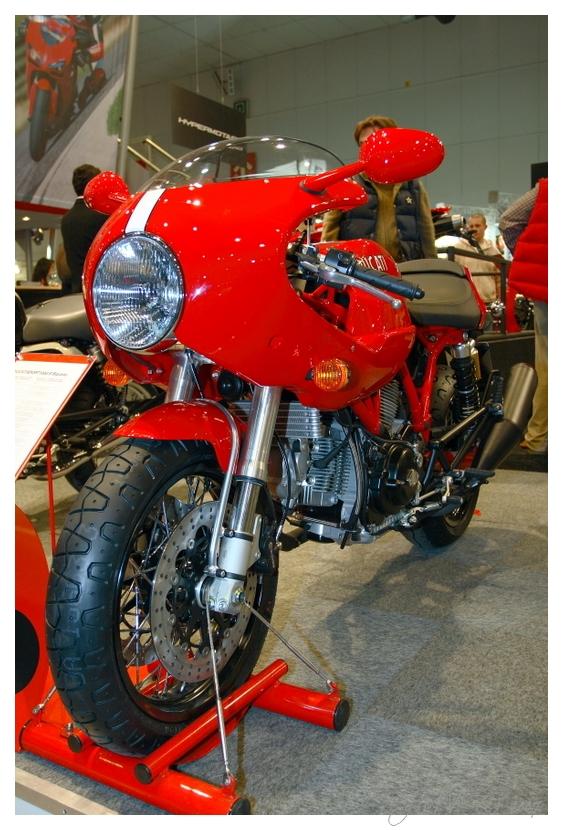 Quelques photos du salon Auto-Moto Bruxelles édition 2007 356874357_e15ba70e9a_o